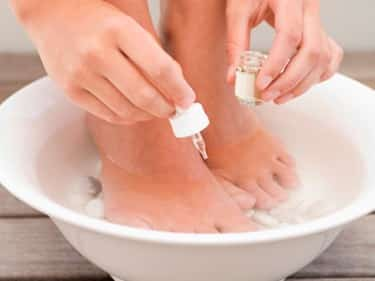 Removing a bad-smell-from-toenail-fungus