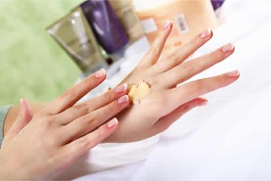 how to get beautiful toenails naturally