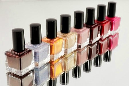 Can fungus infect nail polish?