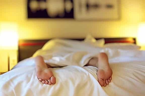 toes cramping and curling causes